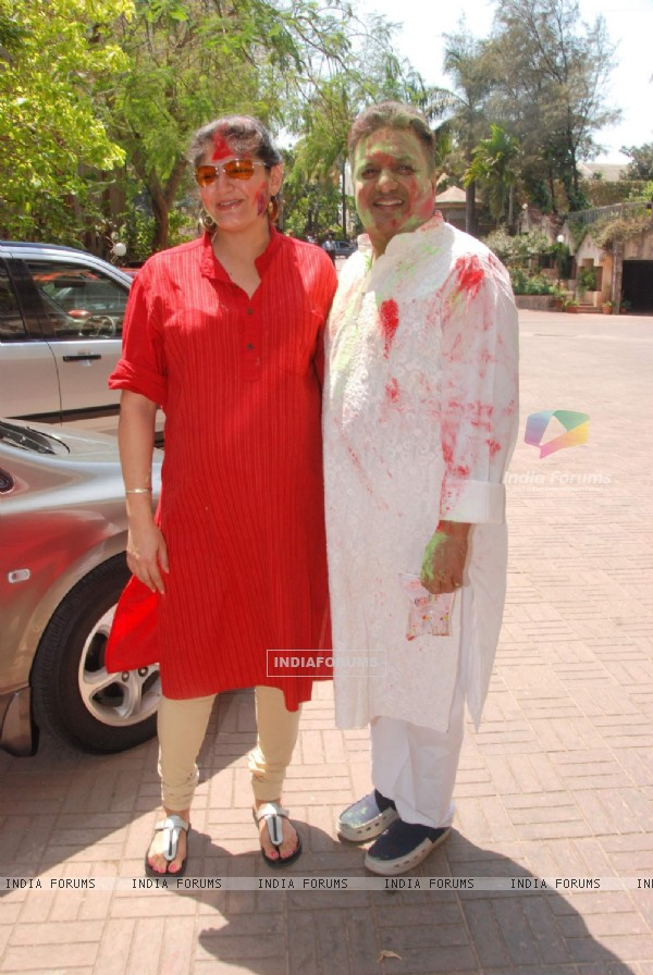 Kunika Lal with Sanjay Gupta at Holi Party at Versova