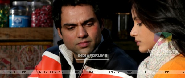 Abhay Deol talking to Neetu
