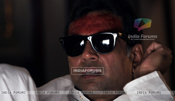 Paresh Rawal wearing a black goggles (12710)