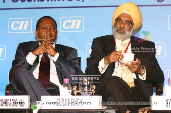 Prime Minister of Mozambique Aires Bonifacio Ali and JS(E&SA) Gurjit Singh,at the special country session-Focus Partner Country:Mozambique at the ''7th CII-Exim Bank Conclave on India Africa Project Partnership 2011