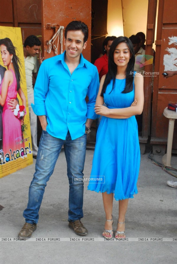 Tusshar Kapoor and Amrita Rao at Love U... Mr. Kalakaar! Promo Shoot in Filmcity (127767)