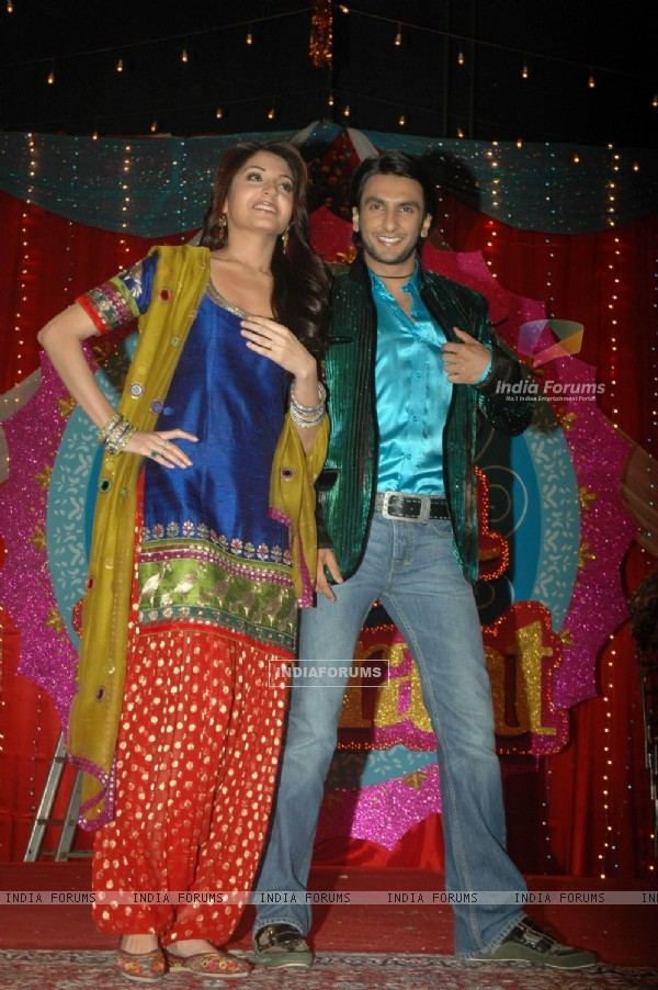 Anushka and Ranveer at Band Baaja Baraat promo shoot for Sony at Yash Raj Studios