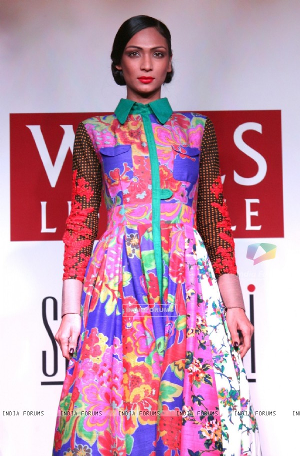 A Model at the Wills Lifestyle Grand Finale collection preview by designer Sabyasachi Mukherjee in New Delhi on Mon 5 April 2011. .