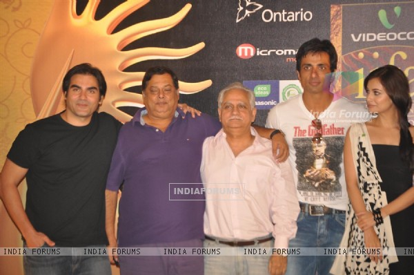 Arbaaz, Dia, Sonu, Ramesh and David at IIFA Awards nomination in Toronto, Ontario, Canada