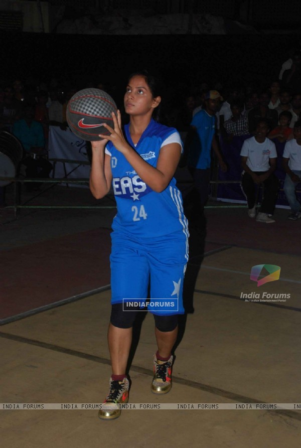 Neetu Chandra dabbles with Basket-Ball at Churchgate, Mumbai. .