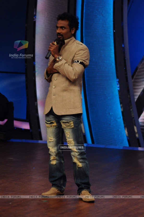 Remo Dsouza at Zee TV Dance Ke Superstars