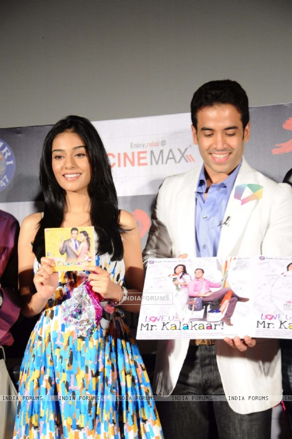 Tusshar Kapoor and Amrita Rao at Love U... Mr. Kalakaar! music Launch at Cinemax, Mumbai (130023)