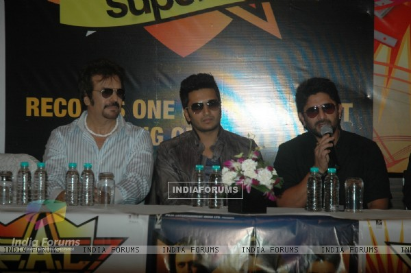Arshad Warsi and Ritesh Deshmukh at success bash of film F.A.L.T.U (130115)