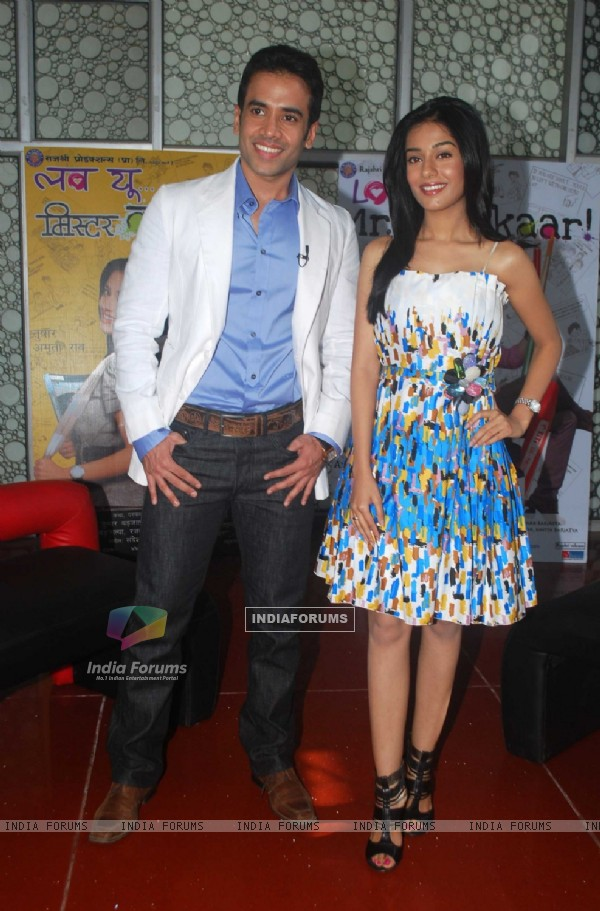 Tusshar Kapoor & Amrita Rao at Love U... Mr. Kalakaar! music Launch at Cinemax, Mumbai (130125)