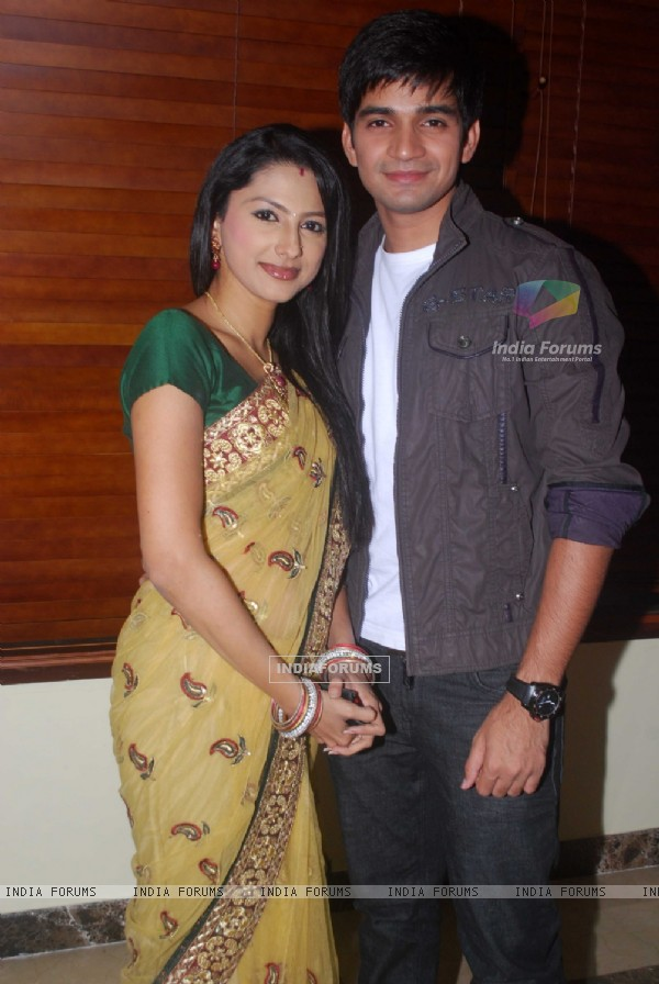 Jigar and Rashi of Saathiya family of Star Plus snapped before leaving for Switzerland