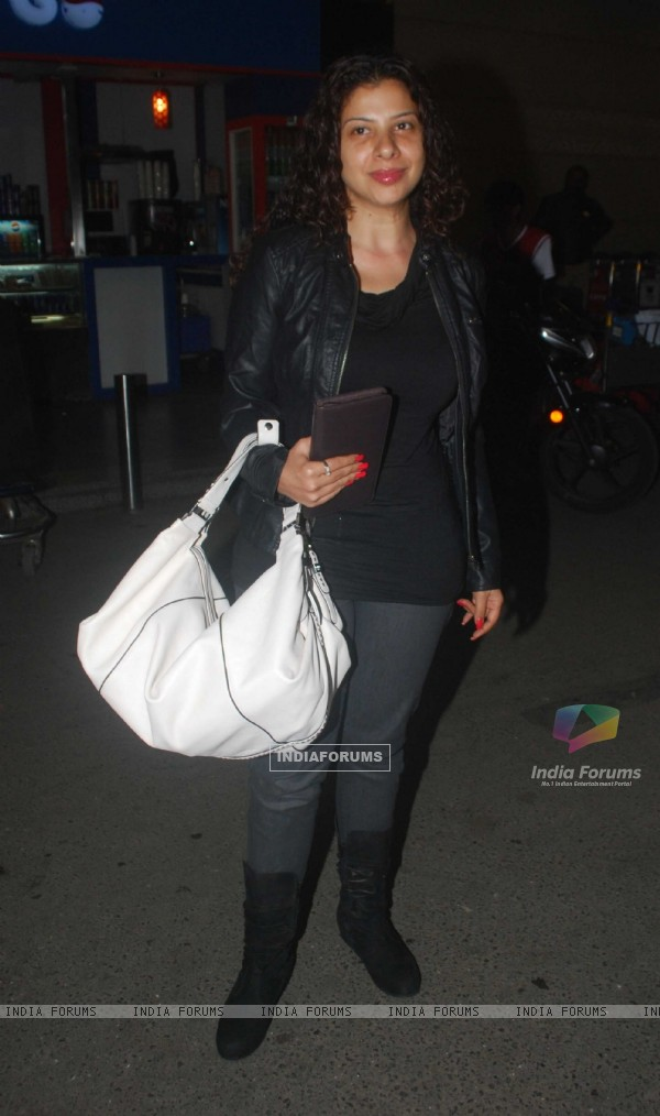 Sambhavna Seth contestents of Fear Factor Khatron Ke Khiladi Season 4 leave for South Africa