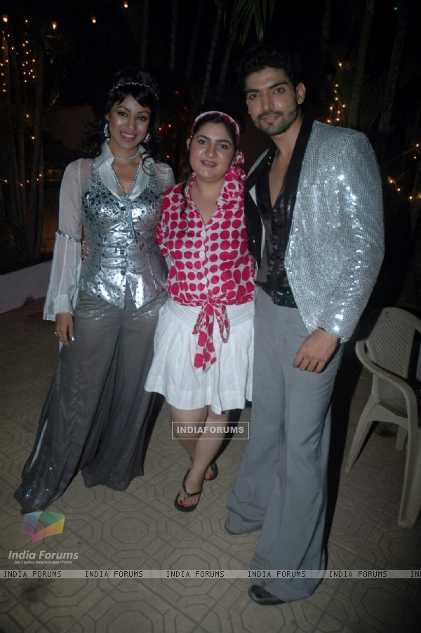 Gurmeet Choudhary with Debina bday bash at Madh with Retro Theme