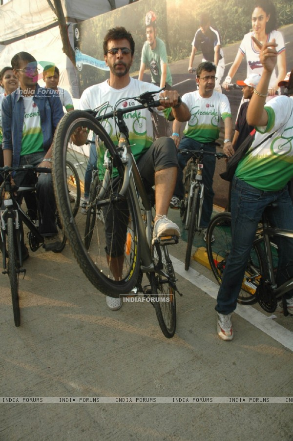 Javed Jafri at BSA Cyclothon, Bandra. .