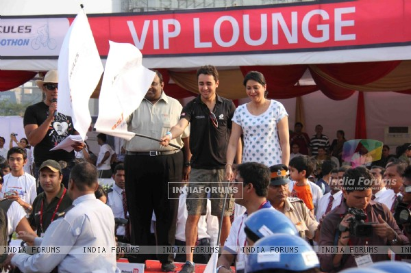 Imran Khan and Priya Dutt at BSA Hercules India Cyclothon, Bandra