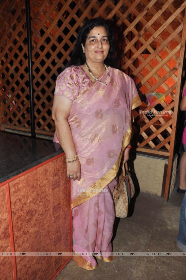 Anuradha Paudwal at Food Food channel bash hosted by Sanjeev Kapoor