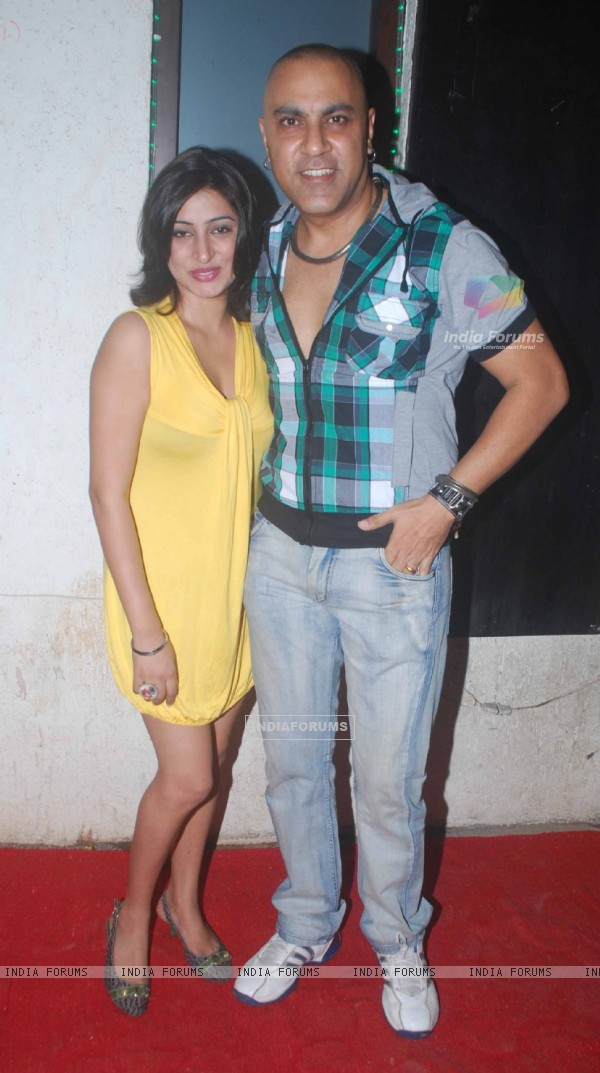 Baba Sehgal at Kushal Punjabi's Birthday bash