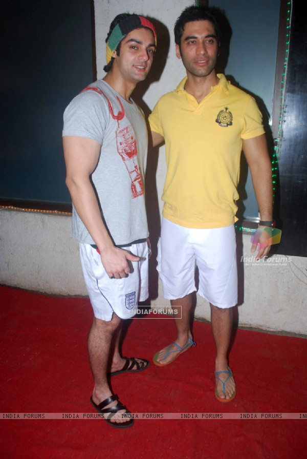 Karan Wahi at Kushal Punjabi's Birthday bash