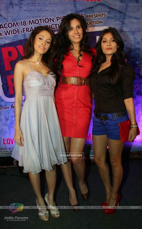 Cast at music launch of movie 'Pyaar Ka Punchnama'