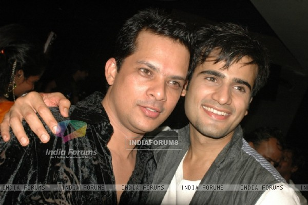 Karan Tacker at 'Rang Badalti Odhani' celebrates 300 episodes