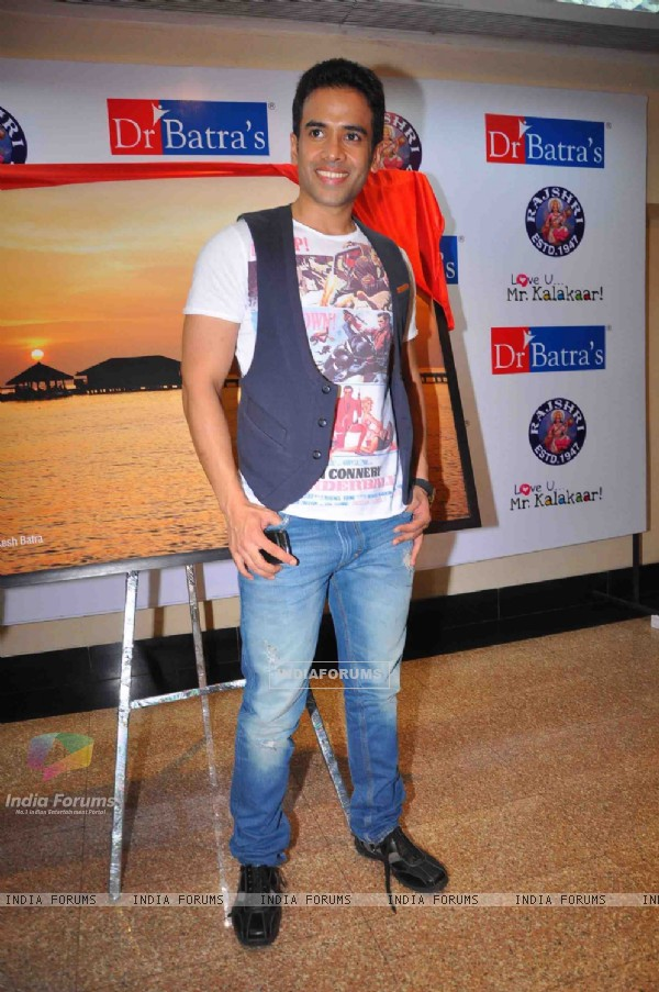 Tusshar Kapoor at DR Batra's photo exhibition, Trident. .