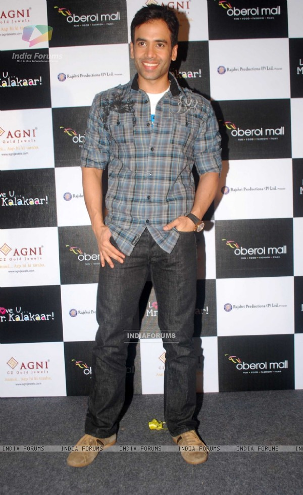 Tusshar Kapoor at a promotional event for film Love U... Mr. Kalakaar! at Oberoi Mall (133392)