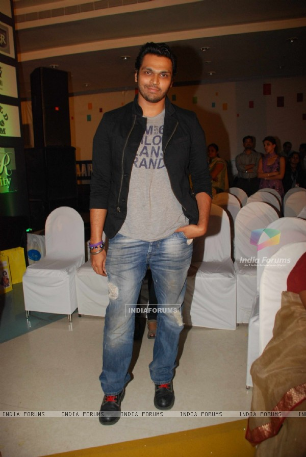 Swapnil Shinde at Goradia School of Professional Studies Organizing Fashion Show
