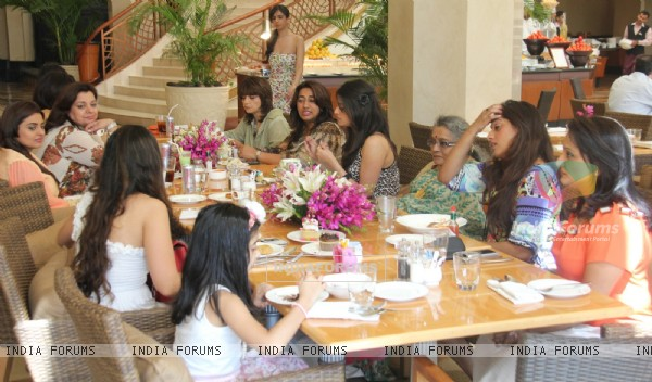 Neeta Lulla and Nishka Lulla hosts gala brunch to co-hosted by JW Marriott to celebrate Mothers Day