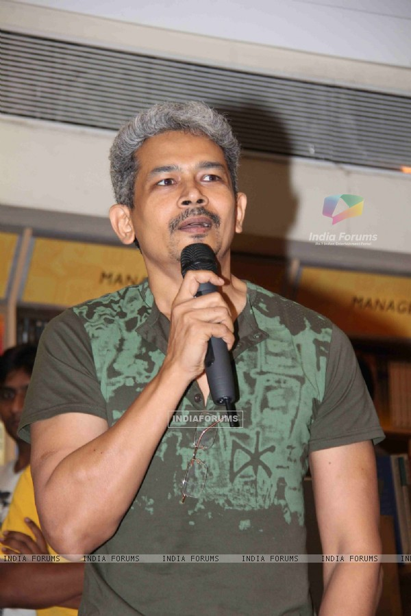 Atul Kulkarni at Divya Dutta mom Nalini's book 'Katra Katra Zindgi' launch at crossword