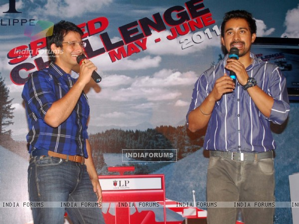 Rannvijay Singh and Sharman Joshi at Louis Phillipe speed challenge, Oberoi Mall