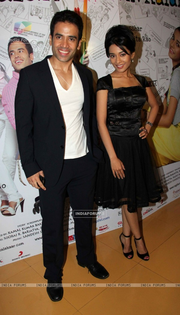 Tusshar Kapoor and Amrita Rao at 'Love U... Mr. Kalakaar!' movie screening (134376)
