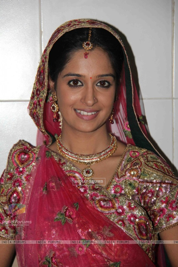 Dipika Samson on the sets of Sasural Simar Ka