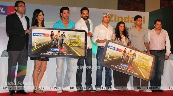 Cast and Crew at 'Zindagi Na Milegi Dobara' movie first look launch
