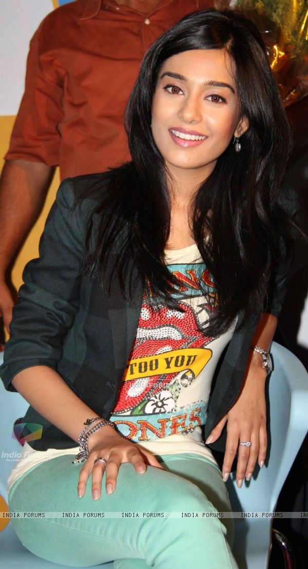 Amrita Rao promotes Love U... Mr. Kalakaar! at Growel Mall at Kandivli (134507)
