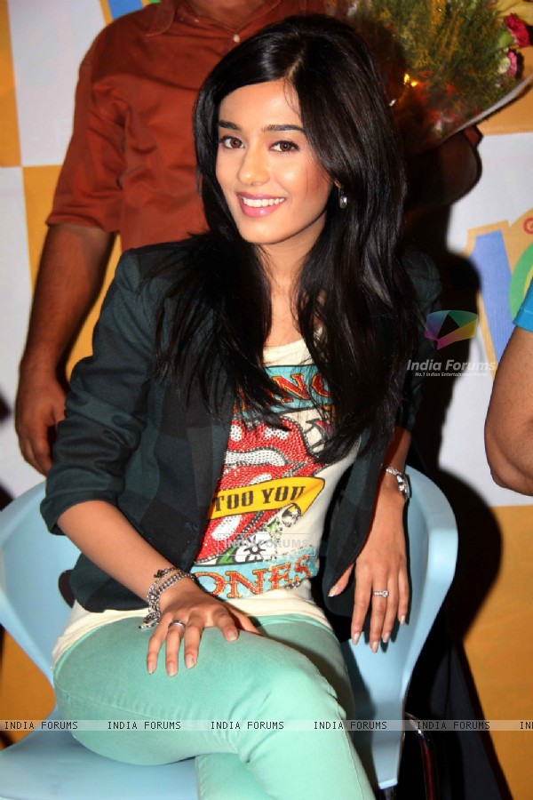 Amrita Rao promotes Love U... Mr. Kalakaar! at Growel Mall at Kandivli (134508)
