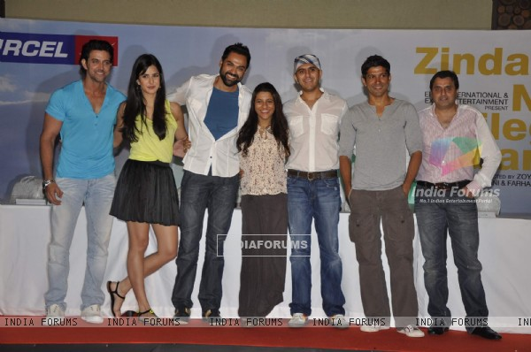 Hrithik Roshan, Katrina Kaif, Abhay Deol, Zoya Akhtar and Farhan Akhtar at Zindagi Na Milegi Dobara first look in Novotel on 15th May 2011. .
