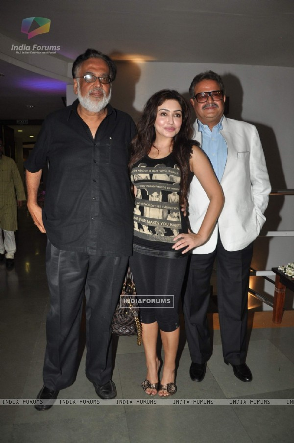Celebs at Kashmakash special screening at Whistling woods. .