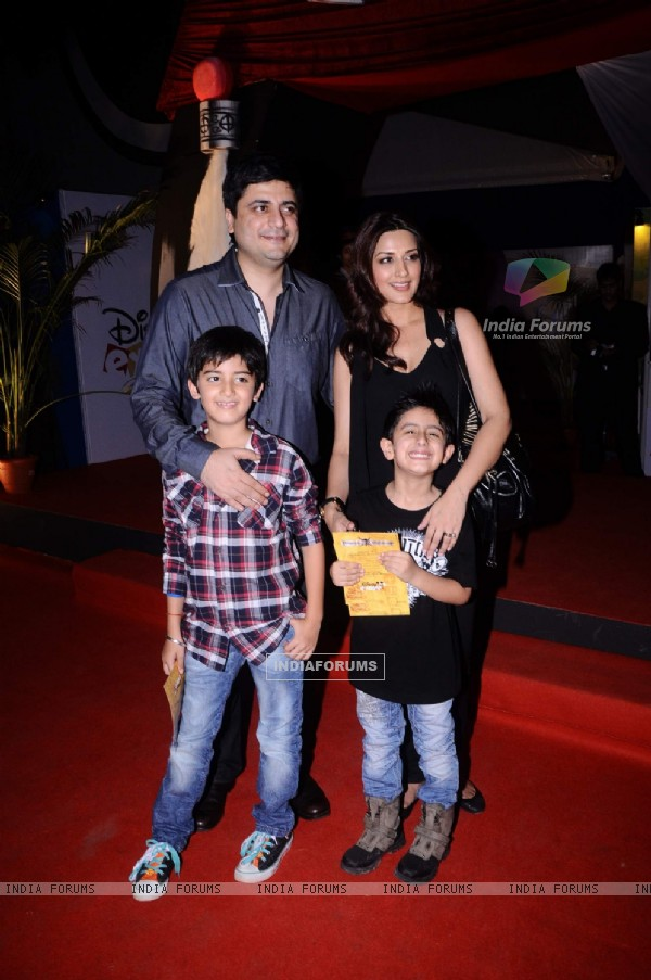 Sonali Bendre with family at premiere of Pirates of the Carribean at IMAX