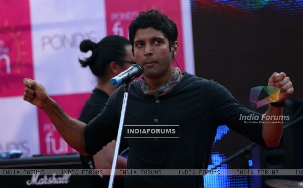 Farhan Akhtar music concert at Fun In the sun