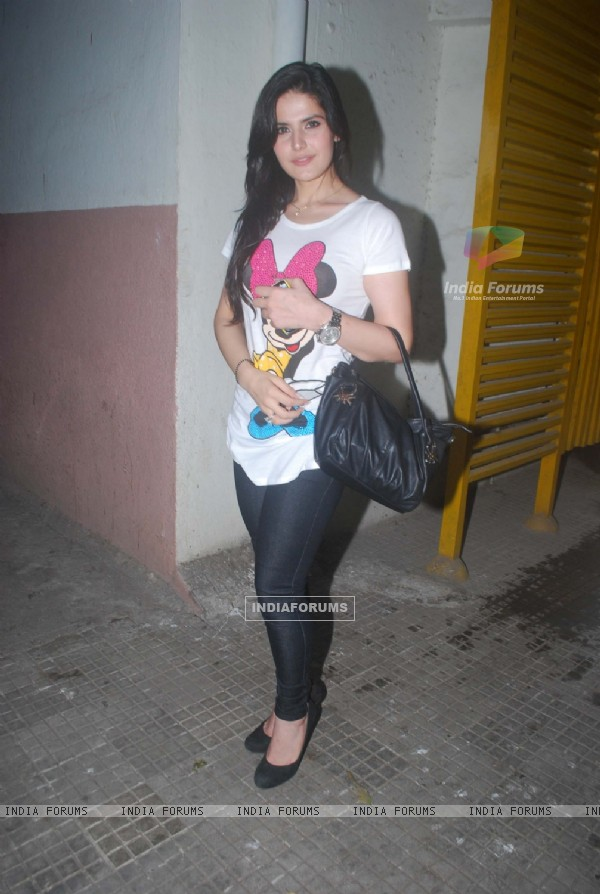 Zarine Khan at Special screening of movie 'Ready'