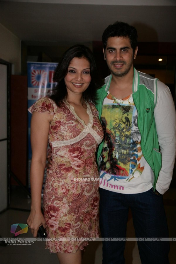 Deepshikha Nagpal and Kaishav Arora at Yogesh Lakhani Bright at film 'Ready'