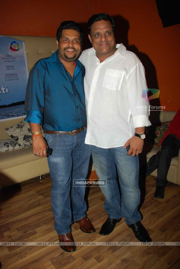 Santosh Singh with Kamlesh Singh at Ss Se Sarsati launch party of Ocean Multimedia India