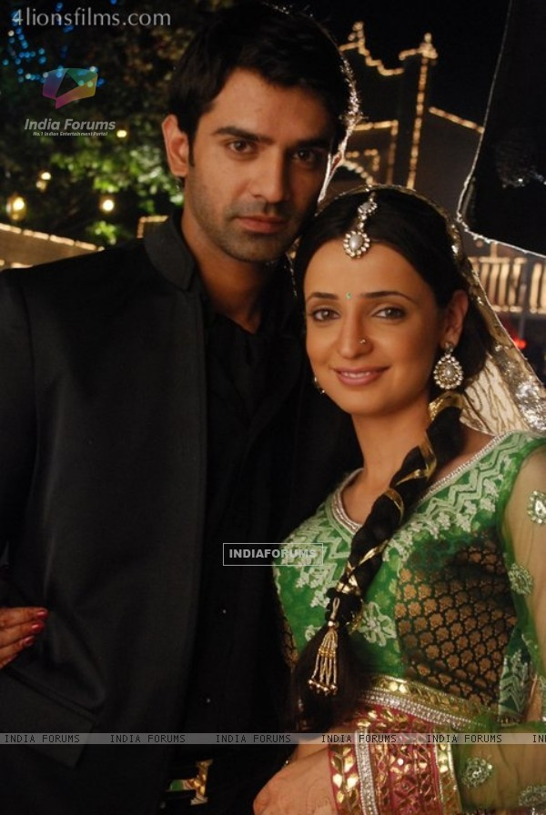 Still Image Of Arnav And Khushi In Iss Pyaar Ko Kya Naam Doon  TV Show