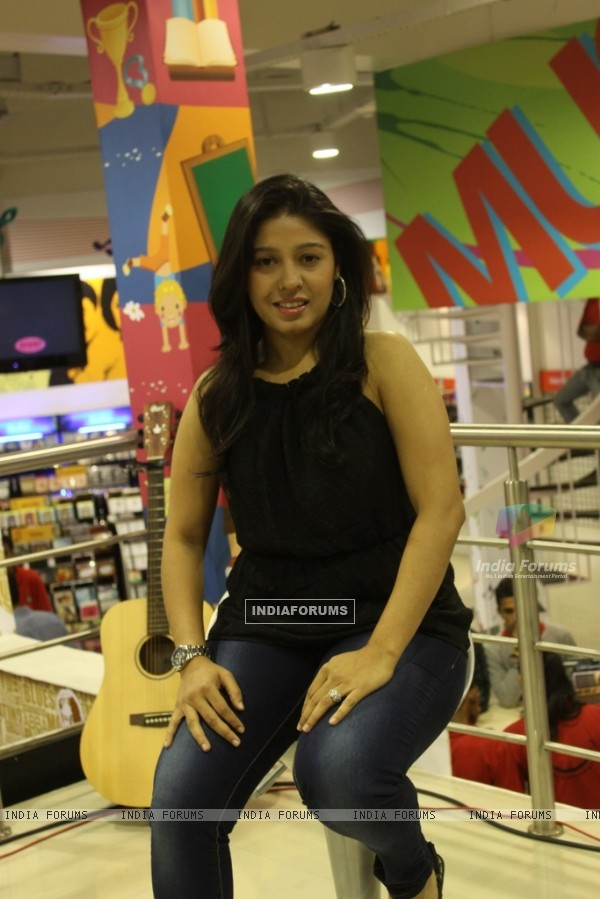 Sunidhi Chauhan launch Murder 2 music at Planet M