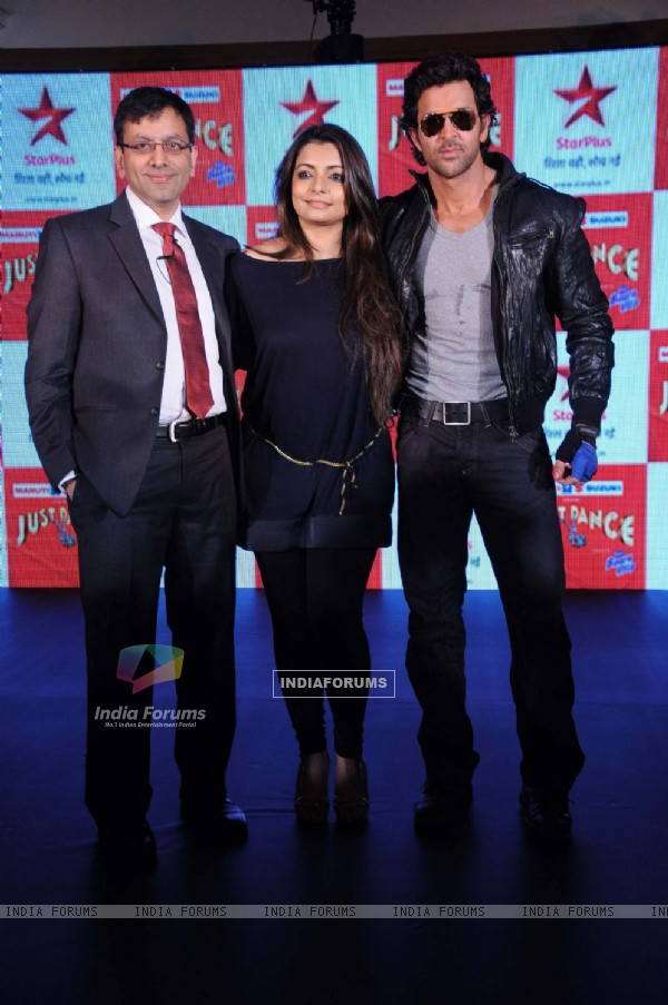 Hrithik Roshan and Vaibhavi Merchant at television's reality show platform, 'Just Dance' press meet