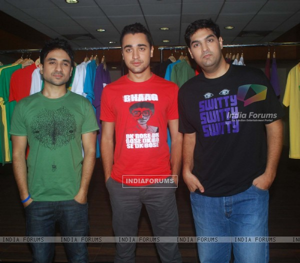 Imran Khan, Vir Das and Kunal Roy Kapoor launches Tshirts of Delhi Belly