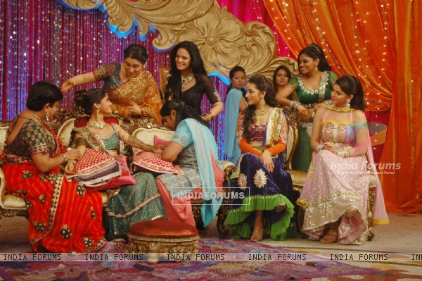 Mehndi ceremony on the sets of Ratan Ka Rishta in Swayamvar Season 3