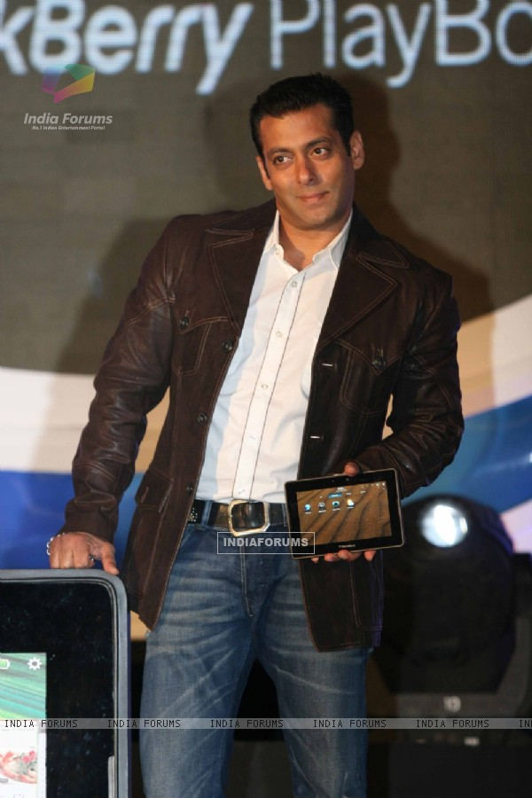Salman Khan launches Blackberry Playbook tablet in Mumbai