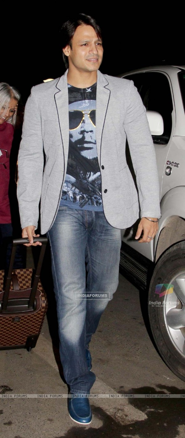 Vivek Oberoi leaves for IIFA
