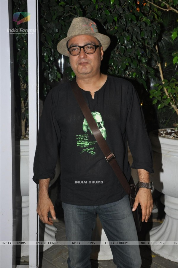Vinay Pathak at Bheja Fry 2 success bash, Cest la Vie