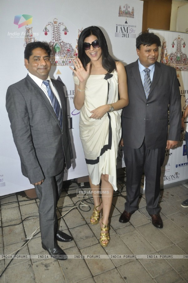 Sushmita Sen at press conference of I AM SHE 2011 and Wadhawan Lifestyle at Aurus Restobar in Juhu